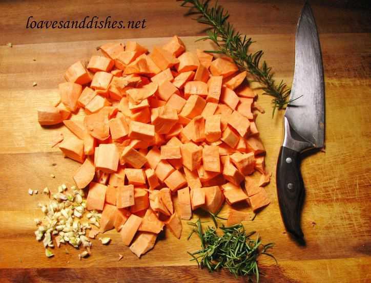 Roasted Garlic Rosemary Sweet Potatoes