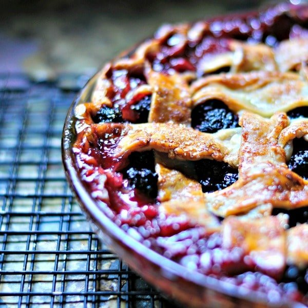 Blackberry Pie Cobbler @loavesanddishes.net