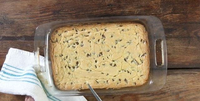 The baked pan of cookies