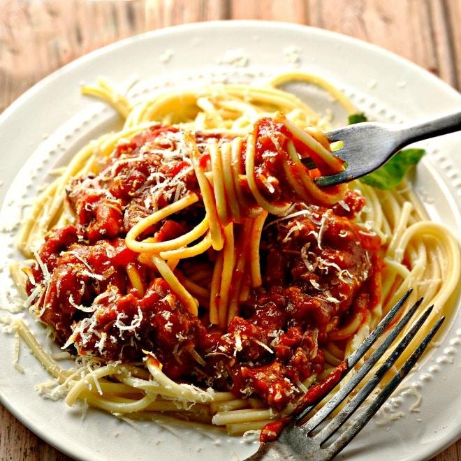 Best Ever Spaghetti Sauce loavesanddishes.net