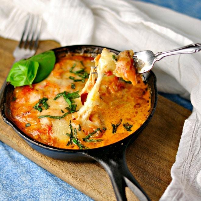 Creamy Cheesy Ham Tomato Sauce @ loavesanddishes.net