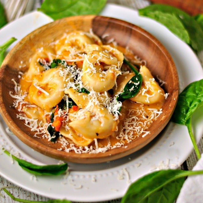 Spinach Cheese Tortellini @loavesanddishes.net