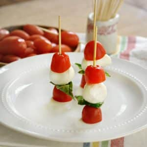Caprese Salad Appetizers @loavesanddishes.net