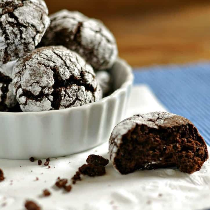 Old Fashion Chocolate Crinkle Cookies @loavesanddishes.net