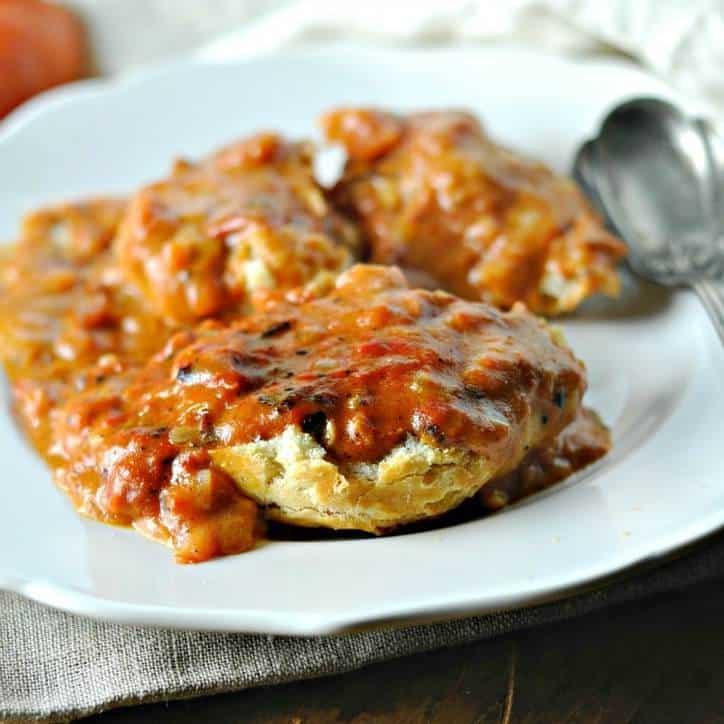 Southern Tomato Gravy www.loavesanddishes.net