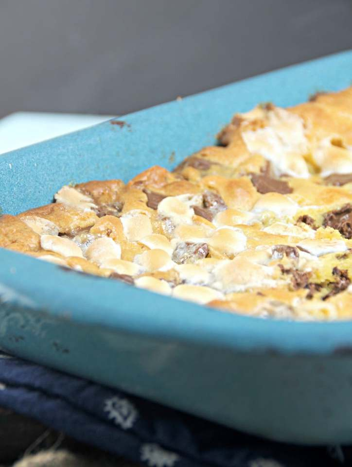 S'mores Cookie Bars @www.loavesanddishes.net