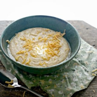 Southern Creamy Cheese Grits @WWW.LOAVESANDDISHES.NET