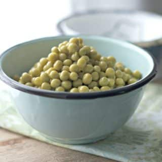 HOW TO COOK CANNED PEAS ON THE STOVE