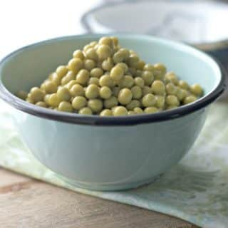 How to cook canned peas on the stove tell you how to make peas from a can super easy. Best recipe for beginners in the kitchen. #peas, #cannedpeas #howtocookcannedpeas, #makecannedpeastastegood, #homecooking