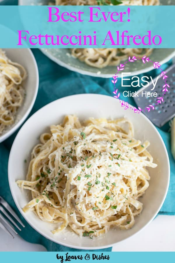 This recipe for fettuccini alfredo is an easy dish that can be made on the weeknight using cream cheese, cream and parmigiana for simple cooking.  Combine with chicken, shrimp, scallops, beef or pork for a terrific meal. Simple dinners like the Pioneer Woman would make #Fettucini #Fettuccinialfredo #alfredo #alfredorecipes #fetuccinealfredo