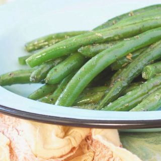 HOW TO SAUTE GREEN BEANS