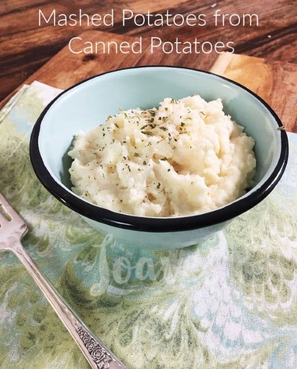 Delicious, creamy, tasty and perfect mashed potatoes from canned potatoes!  Did you know?  You'll be having mashed potatoes like the pioneer woman and Paula Dean in less than 20 minutes with this fast recipe! #mashedpotatoes #cannedpotatoes #recipe