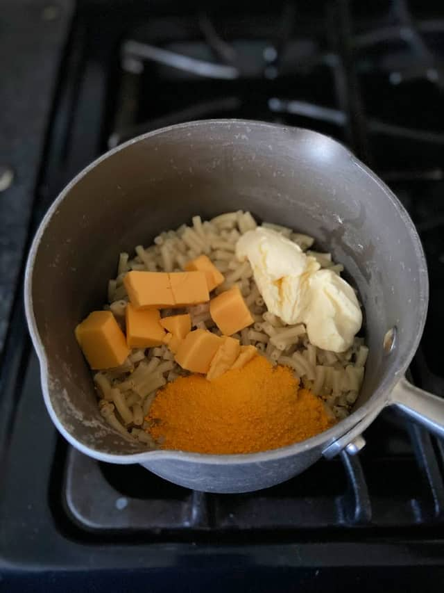 cheeses in macaroni noodles