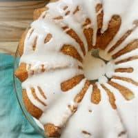 Louisiana Crunch Cake and table